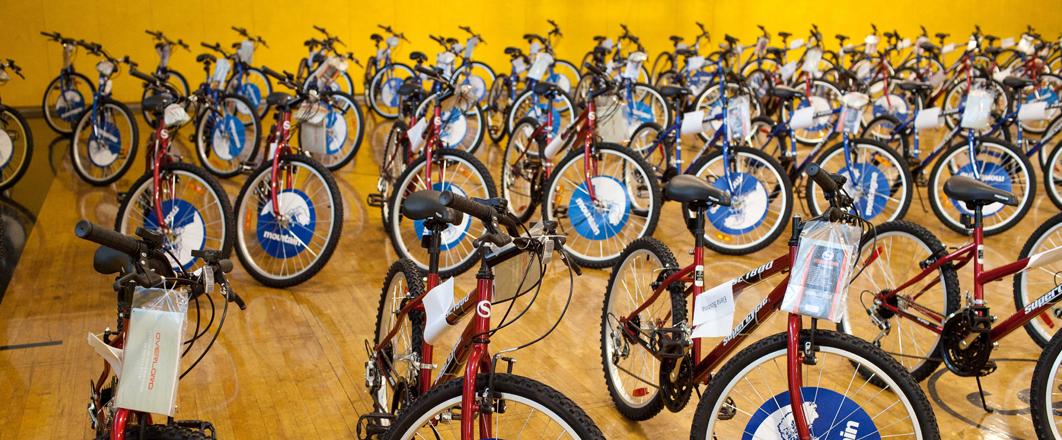 Bike Give Away 2018 Sun Youth 30 Years Bike Man Donation Montreal